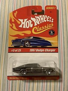 HOT WHEELS CLASSICS SERIES 1 1967 DODGE CHARGER SILVER ALL METAL LIMITED EDITION