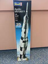 Revell - Nasa Apollo Saturn V Spacecraft    1/96 Scale 25th Anniv. Release