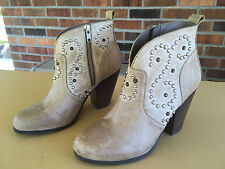 Women's Steve Madden AWSUM Ankle Boots Booties Studs Stone Lea Size 8     A10(5)