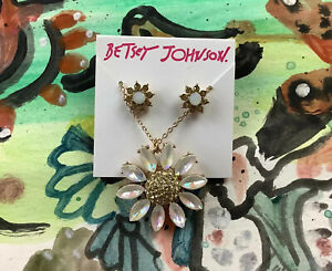 Betsey Johnson Daisy Necklace and Earrings Set (Yellow) NWT 90s Retro Gold Opal