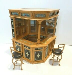 "BESPAQ DOLLHOUSE MINIATURE ""OLD ENGLISH PUB"" BAR W/2 BAR STOOLS 2700-IL PAINTED"