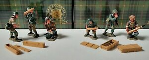 King & Country WS55 & WS56 WWII - German FLAK Gun Crew sets 1:30