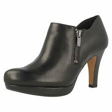 Clarks Women's 100% Leather Shoes