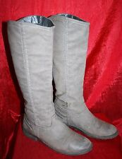 Grey Distressed Faux Leather Boots UK7 EU41 Lined Pull-on Flats Marked W0RN 0ld