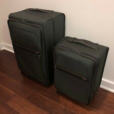 Tumi Expandable 4 Wheel Luggage Set Long Distance Trip Carry-On 28 and 22 inch.
