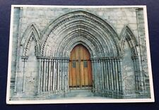 POSTCARD: THE WEST DOOR: PAISLEY ABBEY: PAISLEY: SCOTLAND: USED: POSTED