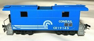 ROUNDHOUSE CONRAIL CABOOSE #CR19145