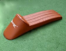 LAMBRETTA GORI STYLE SLOPE BACK SEAT EXTRA LONG WITH LOGO IN TAN