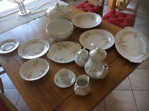 Service complet vaisselle porcelaine de Limoges ( table et café)