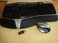 Microsoft Natural Wireless Ergonomic Desktop 7000 in Very-Good Condition