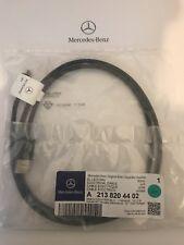 Nuevo Genuino Mercedes-Benz Micro USB Cable de los medios de comunicación Interfaz A2138204402