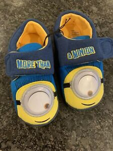 New Minion Slippers Child Size 8-9 Kids/toddlers