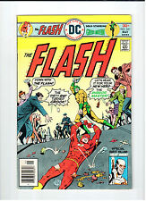Dc Comics Flash #241 May 1976 vintage comic. Vf condition Green Lantern by Grell