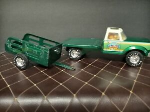 ATTN: COLLECTORS! Vintage Pressed Steel Nylint Farms Green Truck & Trailer Set.