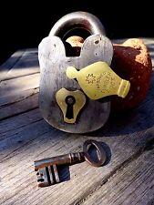 Lucchetto antico vintage con una chiave funzionante HOBBY da collezionista raro 25-09