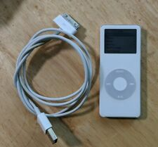 Apple iPod nano A1137 4th Generation Silver (4 GB) works excellent