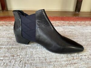 L'amour Des Pieds Benedita Ankle Booties, Black Leahter, Pull On, Size 9.5, EUC