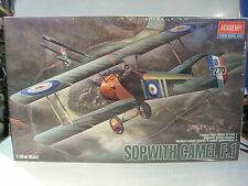 SOPWITH CAMEL F.1 1/32 academy model kits maquette WWI