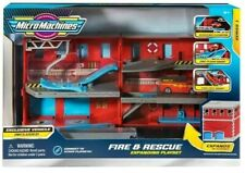 Micro Machines 2020 - Fire & Rescue Transforming Expanding Playset Exclusive