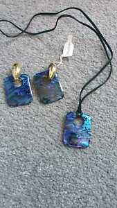 Blue lightweight jewellery set earrings & pendant  BNWT