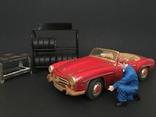 MECHANIC TONY INFLATING TIRE FIGURE FOR 1/24 SCALE MODELS AMERICAN DIORAMA 77496
