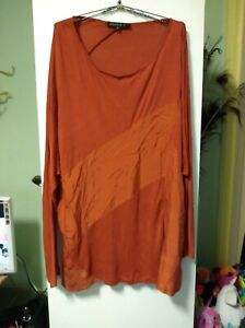 MAGGIE T WOMENS GORGEOUS TOP SZ 20 122 CM BUST LONG SLEEVES VISCOSE SPANDEX MACH