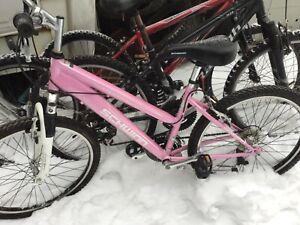 "Schwinn Ranger Girls / Ladies Mountain Bike 24"" Tires kids Frame, clean"