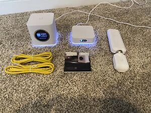 Ubiquiti AmpliFi HD Mesh Wi-Fi System with 2 routers and 1 mesh point