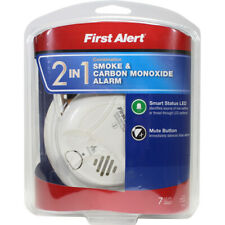 First Alert 2 in 1  Battery  Photoelectric  Smoke and Carbon Monoxide Alarm