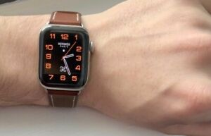 Apple Watch Series 5 Hermès 40 mm Stainless Steel Case with Fauve Barenia...