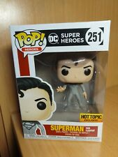 Funko pop Superman from flashpoint 251 hot topic exclusive dc super heroes
