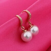 Modish Absorbing White pearl 18k gold filled White sapphire Dangle earring