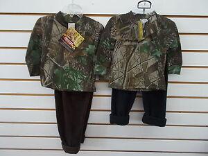 Infant Boys Realtree Camo T-Shirt & Black Fleece Pants 2PC. Set Size 6/12 Mth.