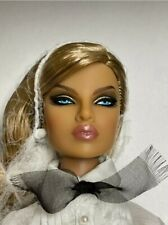 Integrity Toys Le TUXEDO EUGENIA PERRIN-FROST FASHION ROYALTY W CLUB New in Box