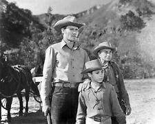 Western TV Show THE RIFLEMAN Glossy 8x10 Photo Poster Chuck Conners Print