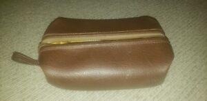 "Vintage Brown Leather Men's Travel Toiletries Zippered Bag 12"" x 5"" x 6"""