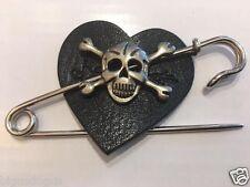 Spilla di Teschio * Love ~ cuore nero in vera pelle * PUNK ROCK + + Bag + Stivale + Giacca + Kilt Pin