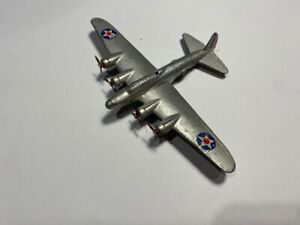 Dinky 62g Boeing Flying Fortress - 1939 - 1941 Version - Good Condition