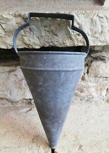 Ancien semoir ou arrosoir entonnoir en zinc avec poignée déco jardin campagne