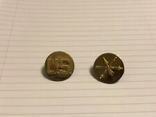 US Army Air Defense Artillery Enlisted Collar Insignia Pin Set. Arrow & Cannons