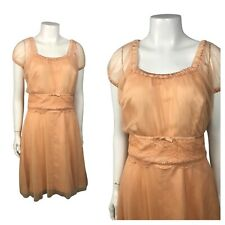 1960s Dress / Peach Lace Short Dress / Scallop Lace Party Dress / Small