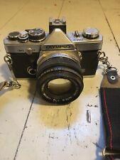 Olympus OM-2 35mm Fotocamera SLR Film con Kit Obiettivo 50 mm
