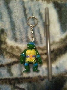 Teenage Mutant Ninja Turtles Japan bootleg Leonardo / Donatello keychain figure