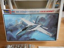 Modelkit Revell / ESCI MC Donnel Douglas F/A-18 Hornet on 1:48 in Box