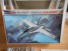Modelkit Revell / ESCI MC Donnel Douglas F/A-18 Hornet on 1:48 in Box