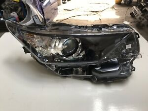 TOYOTA AURIS 2015-17 GENUINE HEADLIGHT RIGHT SIDE (2751)