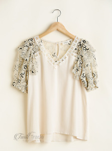 Umgee | Linen Blend V-Neck Top with Laced Ruffle Sleeves and Floral Print Detail
