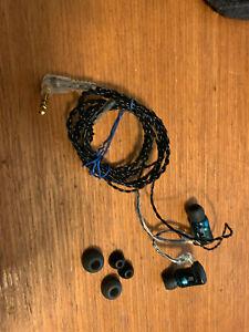 Ultimate Ears Triple.Fi 10 Earphones w upgraded Ulimate Ears Premium cable