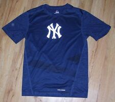 New York Yankees Majestic Cool Base athletic shirt men's size-Small rare design