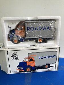 """First Gear 1953 Ford C600 """"ROADWAY EXPRESS"""" Straight Truck ~ 1:34 ~ NIB ~ 1994"""